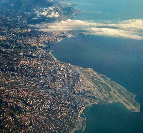 Nord for Nice, luftbillede af Nice Provence Sydfrankrig, ferie i Villa Romarine