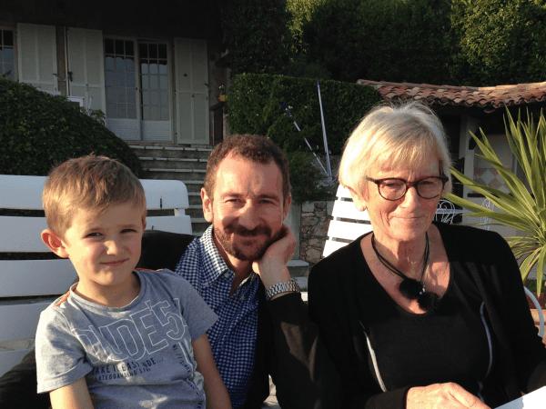 Jette, Malte og Thomas i feriehus ved Nice