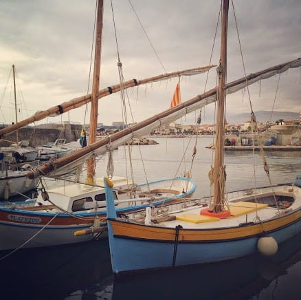 Årstiderne i Provence efterår i den lokale havn Cros de Cagnes.