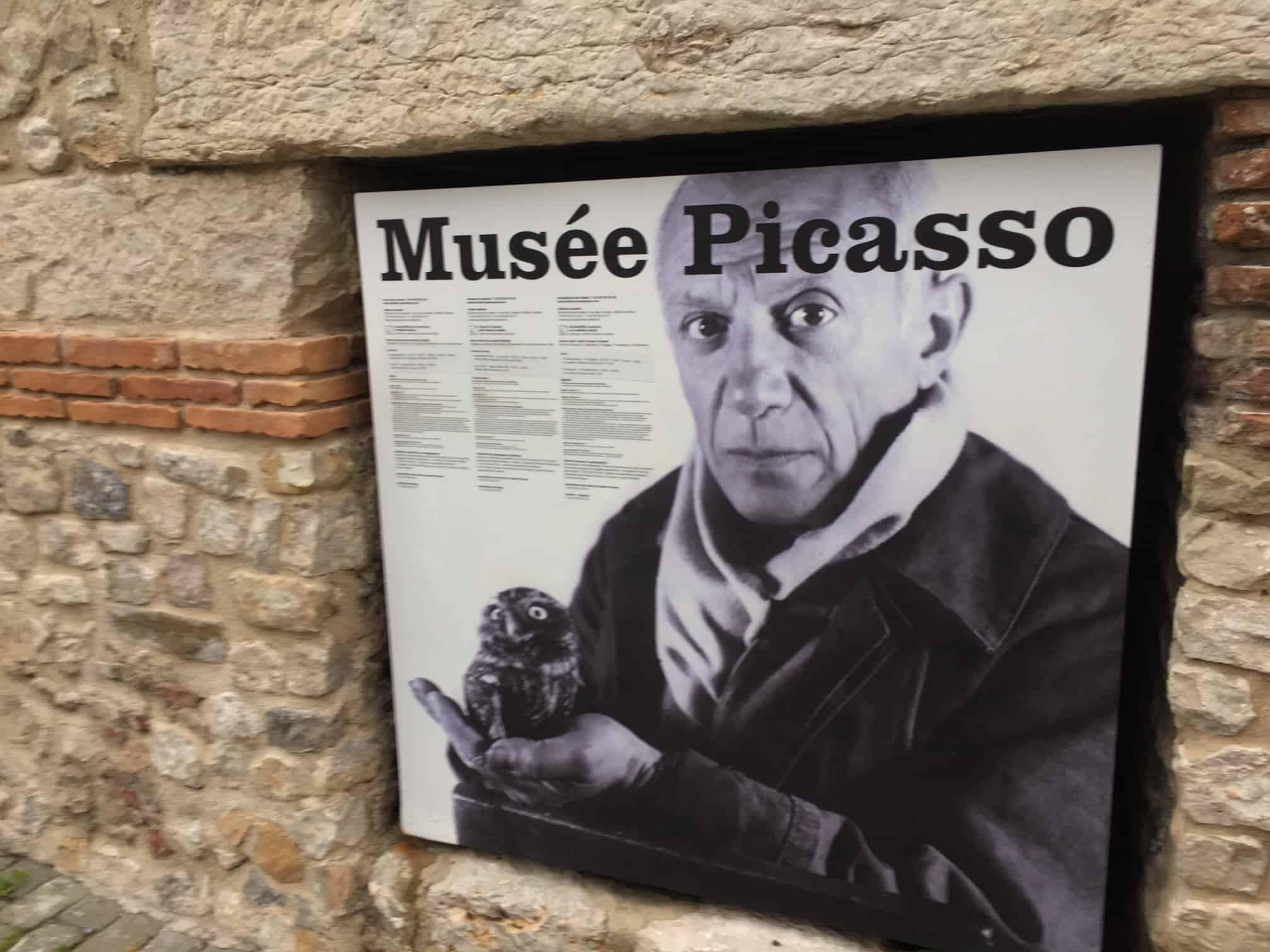 Musée Picasso ved Nice Villa Romarine. Lej feriehuset via KKP Provence
